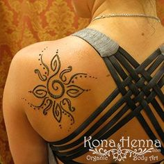 Kona Henna - The Henna Professionals. Professional Quality Henna Tattoo Kits and Supplies. Visit our Kona Henna Studio in Hawaii or hire us for your ev. Henna Designs Easy, Beautiful Henna Designs, Henna Tattoo Designs, Hand Designs, Henna Ink, Henna Body Art, Body Art Tattoos, Henna Style Tattoos, Henna Tattoo Shoulder