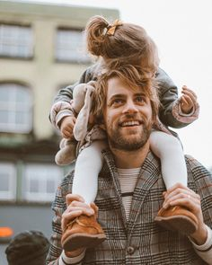 @thesematters @mymatters #daddy #fatherhood #baby #girl #daughter #nottinghill #london #fall #autumn #parenting #family