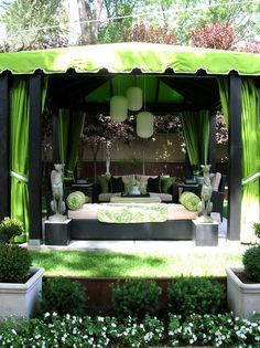 Stunning Green Space Patio Furniture and Curtains Ideas