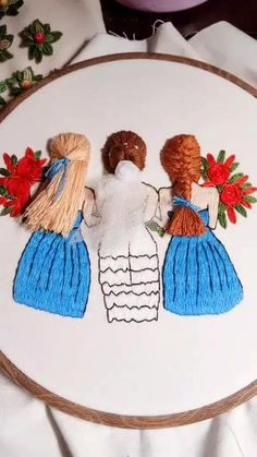 Hand Embroidery Patterns Flowers, Hand Embroidery Videos, Embroidery Stitches Tutorial, Hand Embroidery Flowers, Hand Embroidery Designs, Creative Embroidery, Simple Embroidery, Learn Embroidery, Embroidery Hoop Art
