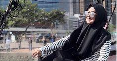 Follow @liputanbaru and check @beautyfactormakeover_sigli  Lagi Oki Setiana Dewi dan Ria Ricis Buka Bisnis Kuliner : Okezone Celebrity [ Baca selengkapnya di liputanbaru.com ]  #okezone.com #TsunamiCup #awsc #love #instagood #photooftheday #beautiful | Baca selengkapnya di website: liputanbaru.com #TsunamiCup Role Player, Hijab Fashion, Goth, Wattpad, Artist, Dresses, Style, Gothic, Vestidos