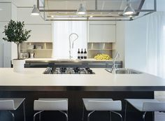 Love this kitchen (www.upgrade-living.com)