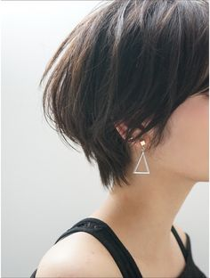 Pin on ショートヘア Short Wavey Hair, Short Grunge Hair, Korean Short Hair, Cute Hairstyles For Short Hair, Short Hair Cuts, Bob Hairstyles, Shot Hair Styles, Bad Hair, Hair Trends