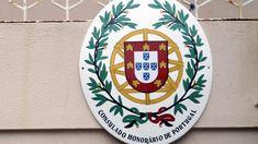 O Consulado de Portugal em Maputo anunciou ter assinado com a empresa internacional VFS um contrato que lhe atribui a tarefa de receção de processos de pedido de visto Schengen com destino a Portugal. http://observador.pt/2018/01/03/consulado-de-portugal-em-maputo-adjudica-tramitacao-do-visto-schengen-a-empresa-vfs/