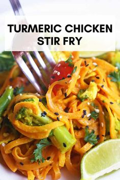This amazing healthy and POWERFUL turmeric chicken stir fry is an anti inflammatory and low histamine recipe. Perfect for those dealing with chronic hives inflammation allergies and are gluten and dairy free. Chronic Hives, Chronic Illness, Healthy Stir Fry, Turmeric Recipes, Sweet Potato Noodles, Stir Fry Recipes, Low Acid Recipes, Paleo Recipes, Free Recipes