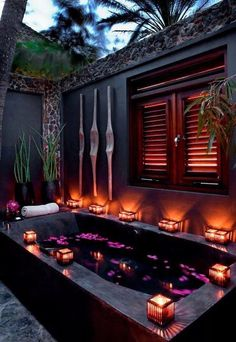 Outdoor bathtub in the tropics (note - even the palm trees are purple) Outdoor Bathtub, Outdoor Bathrooms, Dream Bathrooms, Dream Rooms, Purple Bathrooms, Outdoor Showers, Bathroom Colors, Outdoor Spaces, Outdoor Living