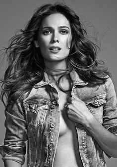 Esquire Editorial with Mar Saura styled by the fashion stylist Sandra Escala 03 | #fashion #editorial #MarSaura #moda #XaviGordo #8AM #8ArtistManagement #RaquelCostales #Stylist   ★★ Sandra Escala ★★ more photos in http://sandraescala.com/★