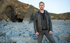 AMC's released the first official photo from The Night Manager starring Tom Hiddleston and Hugh Laurie and based on the book by John le Carre. Tom Hiddleston High Rise, Tom Hiddleston Crimson Peak, Tom Hiddleston Dancing, Tom Hiddleston Funny, Hiddleston Daily, Tom Hiddleston Night Manager, Tom Hiddleston Interview, Tom Hiddleston Gentleman, Loki Thor