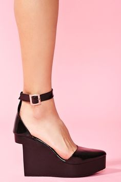 Pointed Platform Wedge