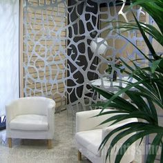 8 Wonderful Ideas To Separate Environments In Your House Even If It Is Small, Without Needing A Wall . Lanai Design, Lounge Design, Wall Design, Interior Design Boards, Living Spaces, Living Room, Palette, Family Room, Interior Decorating