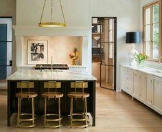 Traditional Interior Design Ideas For A Beautiful Home – BusyAtHome Home Decor Kitchen, Interior Design Kitchen, New Kitchen, Kitchen Island, Design Bathroom, Kitchen Cabinets, Kitchen Ideas, Kitchen Faucets, Gold Interior