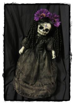 Mourning skull doll | Dolls Of The Dead : 8 Dolls Dealing With Death By LAArtist