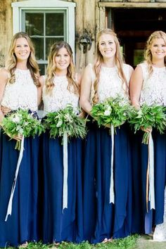 Long bridesmaid dresses with lace top and tulle skirt. Dark green sleeveless tulle bridesmaid dresses fitted plus size. This dress can be tailored in any color and size. Two Piece Bridesmaid Dresses, Plum Bridesmaid, Bridesmaid Separates, Bridesmaid Colours, Bridesmaids, Dresser, Girls Dresses, Flower Girl Dresses, Party Dresses