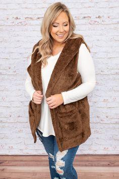 Plus Size Cardigans, Plus Size Shirts, Plus Size Blouses, Plus Size Tops, Plus Size Fall Fashion, Autumn Fashion, Middle Aged Women, Winter Looks, Stay Warm