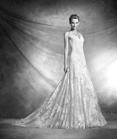 VIENAL - Dress with sweetheart neckline with lace | Pronovias