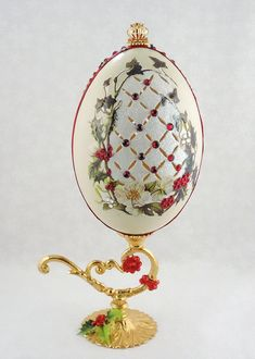 window pane ideas Christmas Holly and Berries, Holly Christmas Ornament, Christmas Decor, Christmas Gift Idea, Faberge Decorated Egg Green Christmas, Christmas Balls, Holly Christmas, Christmas Gifts, Christmas Stuff, Holiday Ornaments, Christmas Decorations, Carved Eggs, Egg Crafts