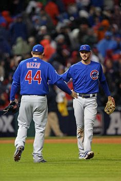 Anthony Rizzo and Kris Bryant of the Chicago Cubs celebrate defeating the Cleveland Indians in Game 2 of the 2016 World Series at Progressive Field. Kentucky Sports, Kentucky Basketball, College Basketball, Basketball Players, Duke Basketball, Kentucky Wildcats, Chicago Cubs Fans, Chicago Cubs Baseball, Bryant Baseball