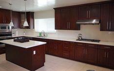 20 Stunning Kitchen Design Ideas With Mahogany Cabinets Kitchen Cabinets Showroom, Stock Kitchen Cabinets, Kitchen Cabinet Pulls, Shaker Cabinets, Farmhouse Cabinets, Grey Cabinets, Custom Cabinets, Layout Design, Design Ideas