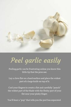 Cooking Tip: How to easily peel garlic Living A Healthy Life, Useful Life Hacks, Mediterranean Recipes, Cooking Tips, A Food, Garlic, Healthy Eating, Healthy Recipes, Make It Yourself