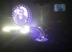 Queen concert was absolutely amazing! Adam Lambert is a crazy good performer pic.twitter.com/qy5GD2ORVy