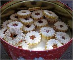 Linzer eyes after grandma& recipe- Linzer Augen nach Omas Rezept Linzer eyes after grandma& recipe - Baking Recipes, Cookie Recipes, Dessert Recipes, Desserts, Summer Recipes, Fall Recipes, Christmas Recipes, Vegetarian Sweets, Linzer Cookies