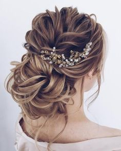 if you are looking for Hairstyles For Graduation, here are the collections of best Half Up Half Down Hairstyles For Long Hair along with Graduation Hairstyles To Pair With Your Cap And Look… Down Hairstyles For Long Hair, Wedding Hairstyles For Long Hair, Wedding Hair And Makeup, Latest Hairstyles, Hairstyles For Graduation, Bridal Hair Updo Loose, Bridal Updo, Formal Hairstyles, Graduation Hairstyles Half Up Half Down