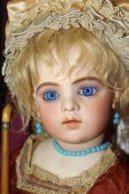 Brief Sale- This Week Only-Fantastique! Native American Dolls, American Girl, Antique Dolls, Vintage Dolls, Porcelain Doll Makeup, Porcelain Vase, Fine Porcelain, Doll Museum, Shabby