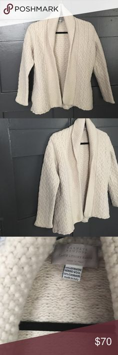 BARNEYS NEW YORK CABLE KNIT CARDIGAN Flawless. Cream colored merino wool + cashmere. Comfortable + warm Barneys New York Sweaters Cardigans
