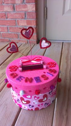 Super cute Valentine's Day box!