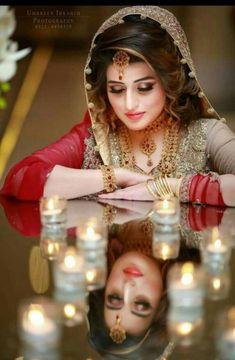 Pakistani Bridal Hairstyles for Wedding 2018 Indian Wedding Couple Photography, Indian Wedding Bride, Bride Photography, Bengali Wedding, Dream Photography, Wedding Girl, Bengali Bride, Bridal Poses, Bridal Photoshoot