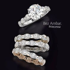 A unique engagement ring and wedding band set by Bez Ambar using Blaze® and oval shaped diamonds. #diamondjewelry #engagementrings #weddingbands www.bezambar.com