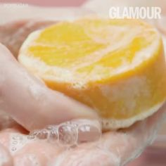 Shampoo bars are the ultimate packaging-free eco-alternatives to a regular plastic bottle of shampoo. If you're keen to save the planet but have great hair doin Best Shampoo Bars, Lush Shampoo Bar, Diy Shampoo, Homemade Shampoo, Natural Shampoo, Ocean Bottle, Glamour Magazine Uk, Shampoo Bottles, Best Shampoos