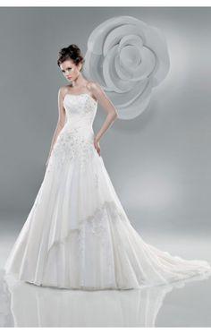 Wholesale A-line Floor-length Strapless White Chiffon Dress