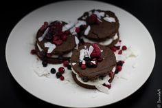 http://danielaniculi.ro/2018/03/19/tort-keto-cu-iaurt-grecesc-si-fructe-de-padure/