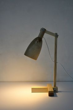 Table lamp made from ash wood, wooden lamp op Etsy, 80,00 €