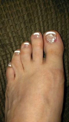 Wedding pedicure ideas toenails fingers 38 Ideas for 2019 French Pedicure Designs, Toenail Art Designs, Toe Designs, Fancy Nails, Cute Nails, Pretty Nails, Pedicure Nail Art, Toe Nail Art, Pedicure Ideas