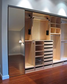 Trendy Ideas For Closet Pequeno Quartos Interior Design Wardrobe Design Bedroom, Bedroom Wardrobe, Wardrobe Closet, Master Closet, Wardrobe Ideas, Closet Ideas, Master Bedroom, Closet Space, Bedroom Cupboard Designs