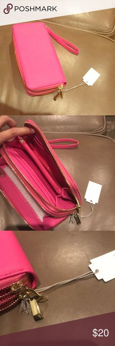Rare brand new with tags hot hot pink leather like Gorgeous and brand new with tags hot hot hot wallet ♥️🍾🤚💋🤗❌♥️🤚 Bags Wallets