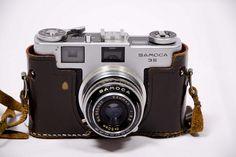 Old-fashioned camera, Samoca 35, via Flickr.