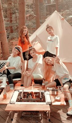 Kpop Girl Groups, Kpop Girls, Black Phone Wallpaper, Blackpink Photos, Korean Artist, My Princess, K Idols, Pop Group, Cute Wallpapers