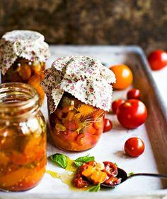 Välimeren tomaatit, resepti – Ruoka.fi
