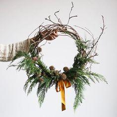 今年のクリスマスリースは決まった簡単ハンドメイドや自然からの拾い物でつくってみよう