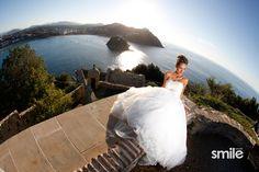 Fotografia creativa de bodas Wedding Dresses, Creative Photography, Creativity, Wedding Pictures, Weddings, Bride Gowns, Wedding Gowns, Weding Dresses, Wedding Dress
