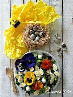 Armonia Paleo: Insalata di Primavera con Fiori e Uova di Quaglia