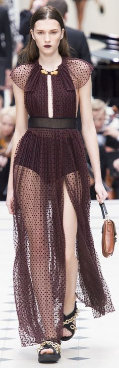 Burberry Prorsum Spring 2016 ~ London Fashion Week | Inspire yourself in http://www.bocadolobo.com/en/inspiration-and-ideas/