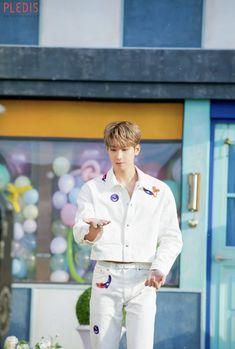 Seventeen Album, Seventeen Wonwoo, Mingyu Wonwoo, Seungkwan, Happy Birthday My Love, Won Woo, Seventeen Wallpapers, Meanie, Pledis 17
