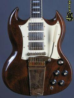 Nashville Usa, Gibson Sg Standard, Guitar Kits, Vintage Guitars, Cool Guitar, Classic Looks, Lightning, Electric, Tech