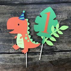 Dinosaur Cake Topper smash cake first birthday Baby First Birthday Themes, Smash Cake First Birthday, Dinosaur Birthday Party, 1st Birthday Parties, Birthday Party Decorations, First Birthdays, Ideas Decoracion Cumpleaños, Dinosaur Cake Toppers, Cake Smash