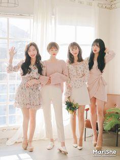 Official Korean Fashion : Korean Similar Look Ulzzang Fashion, Kpop Fashion Outfits, Friends Fashion, Korean Outfits, Cute Fashion, Girl Fashion, Womens Fashion, Stylish Outfits, Korean Fashion Trends