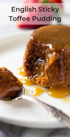 Baked with sweet and hearty dates, drenched in homemade caramel sauce, this easy English Sticky Toffee Pudding is seriously addictive. This is the best dessert with dates ever. Apple Desserts, Fun Desserts, Delicious Desserts, Desserts With Dates, Clean Recipes, Cooking Recipes, English Desserts, Date Pudding, Homemade Caramel Sauce